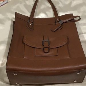 Genuine COACH Large Tote! Beautiful leather.